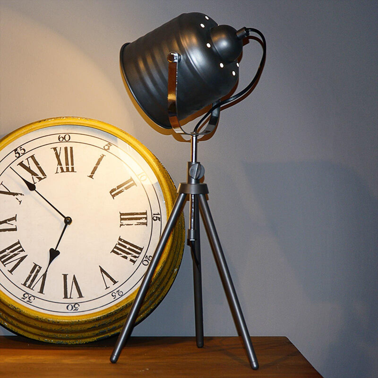 Iøynefallende Studio bordlampe