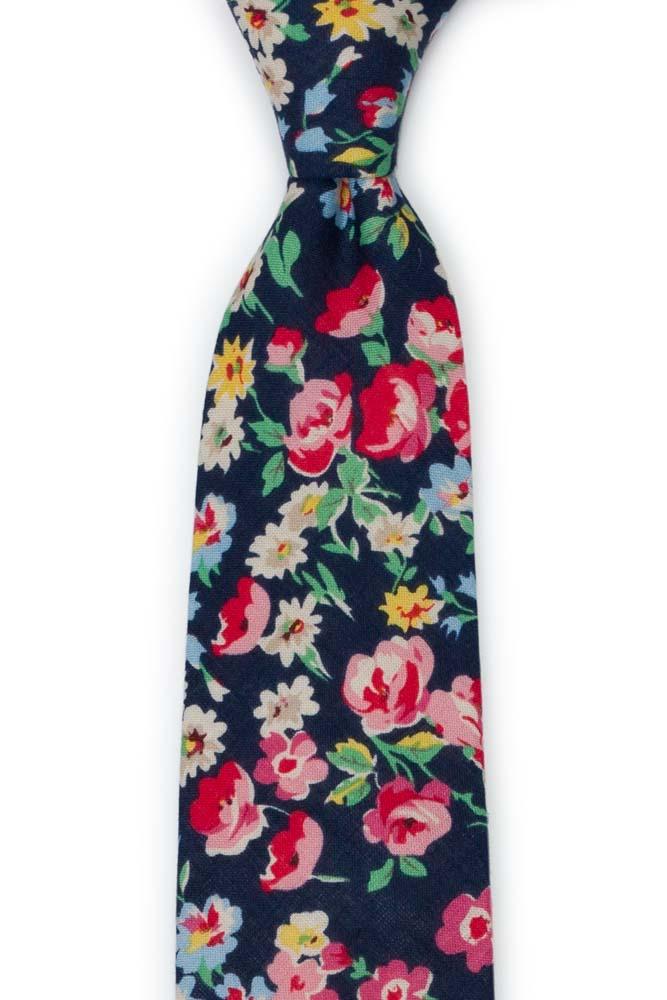 Bomull Slips, Røde, hvite, blå & gule blomster på mørk marineblå, Blå, Blomster