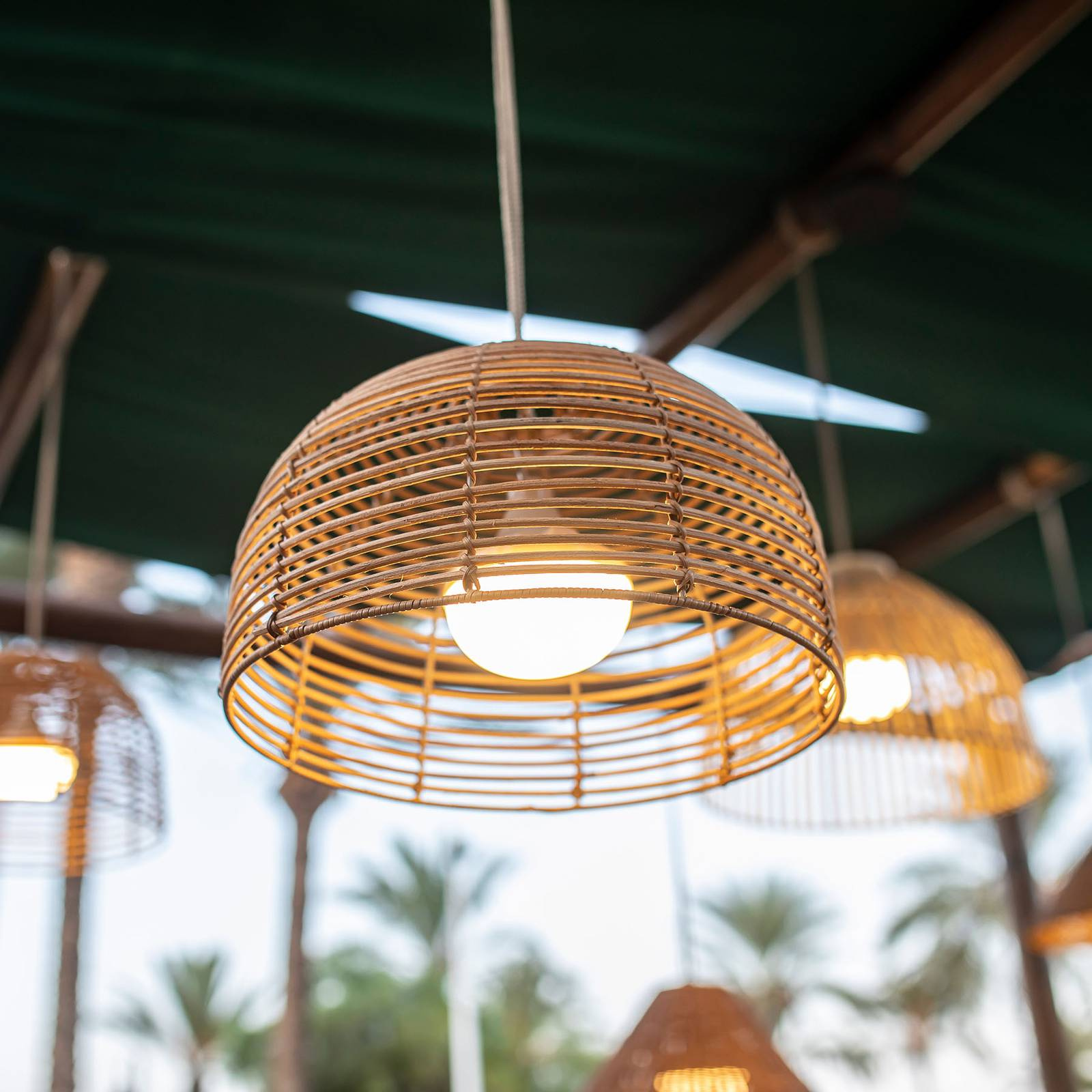 Newgarden Bossa-LED-riippuvalaisin, akkukäyttöinen