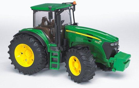 Bruder John Deere 7930 Traktor 03050