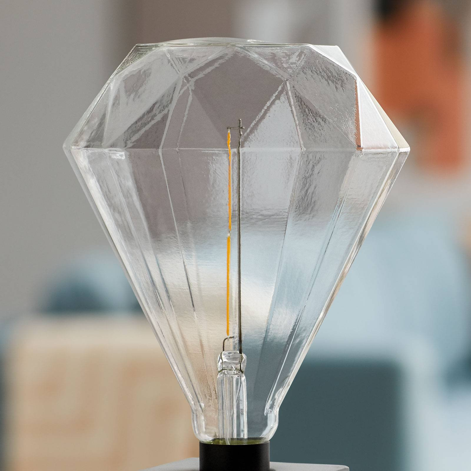 Philips Diamond Giant LED-pære E27 4 W