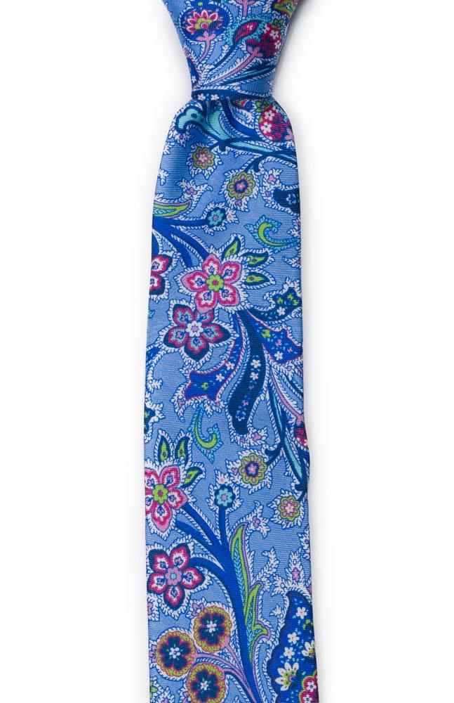 Silke Smale Slips, Surrealistiske flerfargete blomster på blått