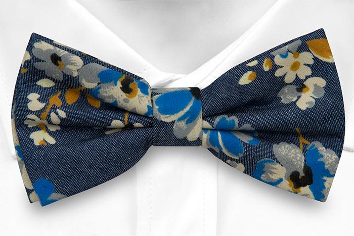 Bomull Sløyfer Knyttede, Denimblått med blomster i hvitt, kobolt og sennep