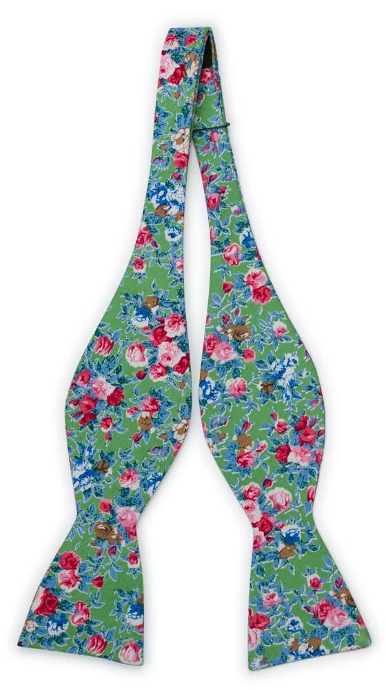 Bomull Sløyfer Uknyttede, Rosa, blå og hvite blomster på eplegrønt