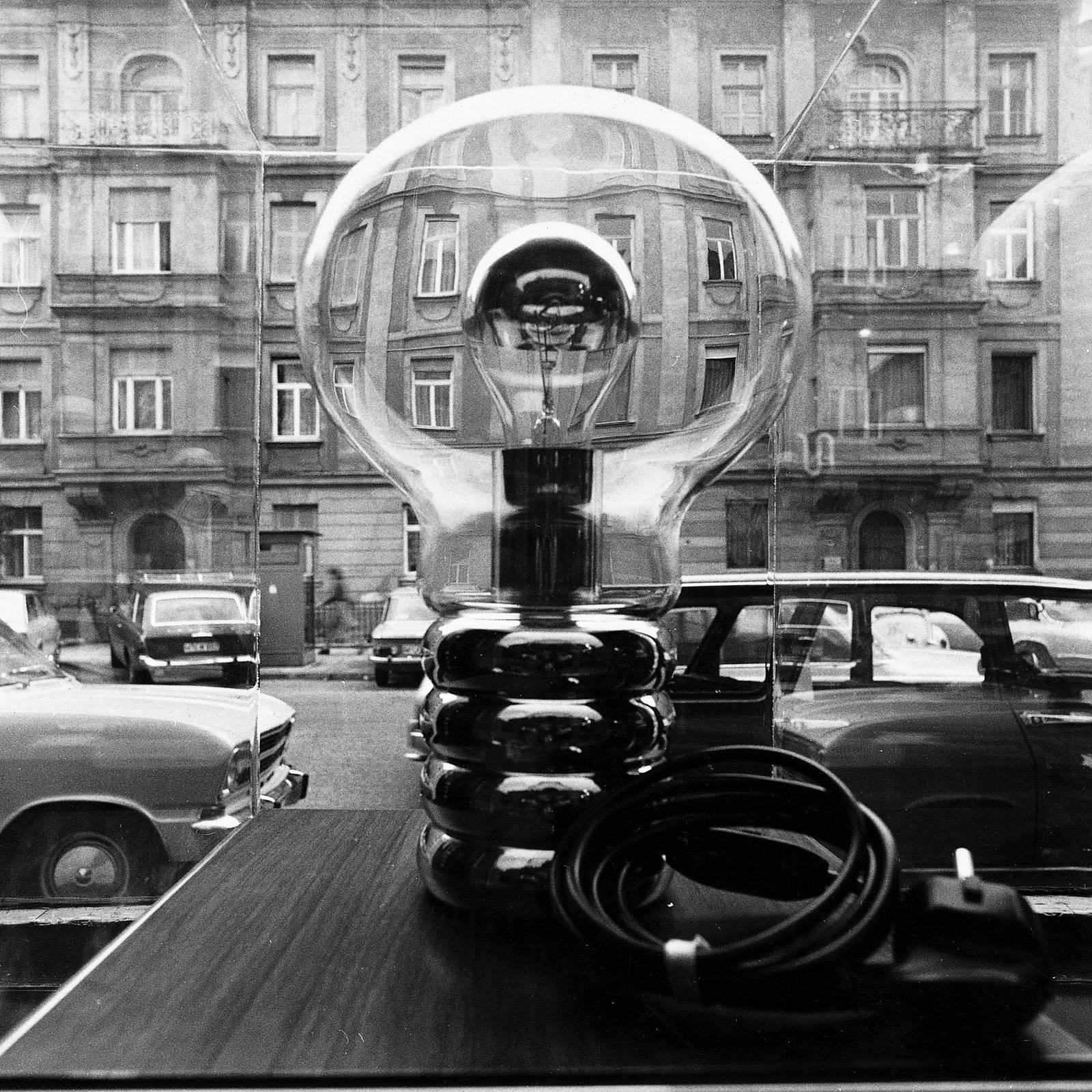 Ingo Maurer Bulb – design-pöytävalaisin