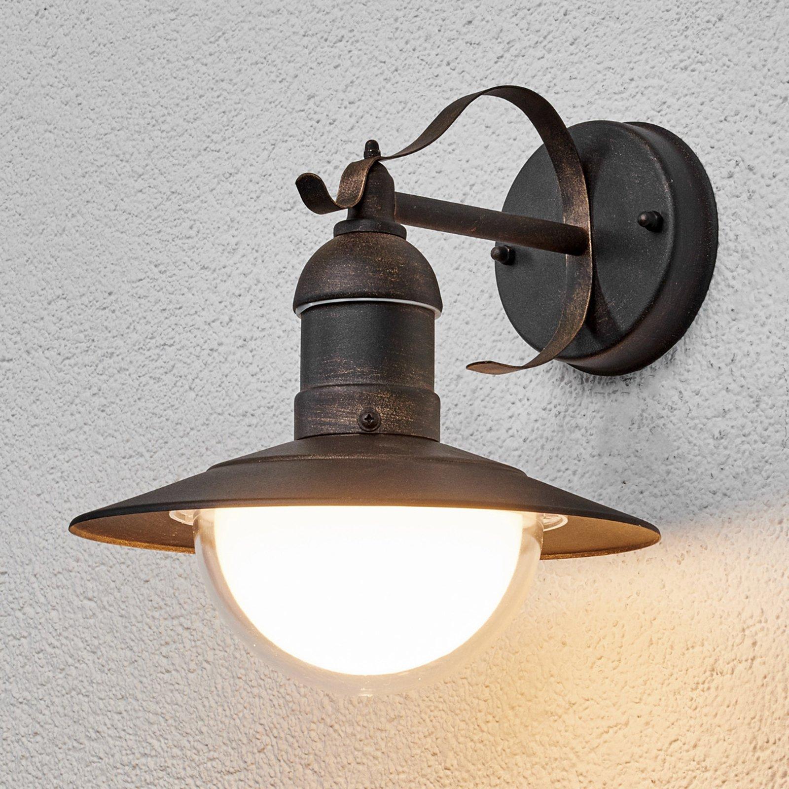 Vegghengt LED-utelampe Clea med antikt utseende