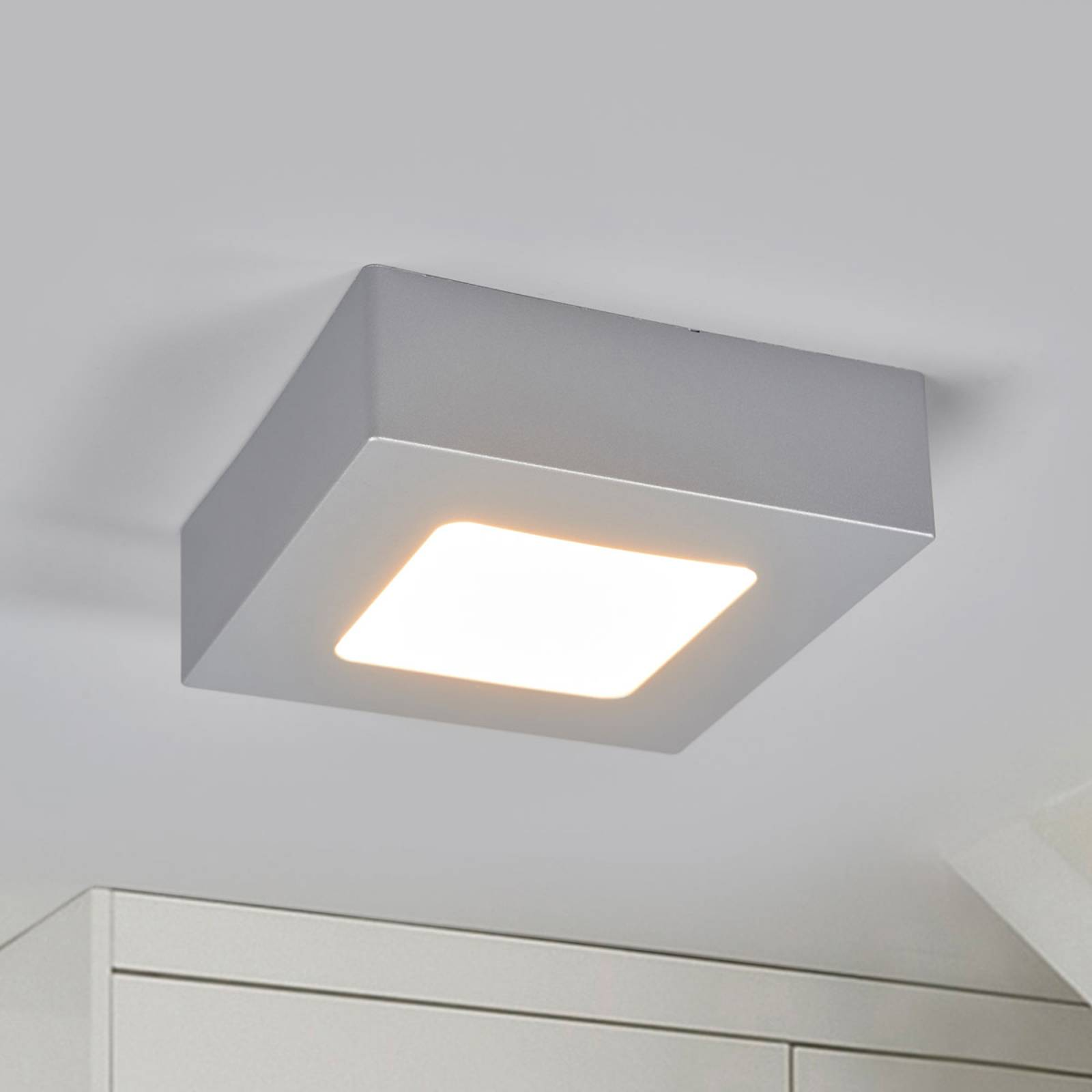 LED-kattovalo Marlo hopea 3 000 K kulmikas 12,8 cm