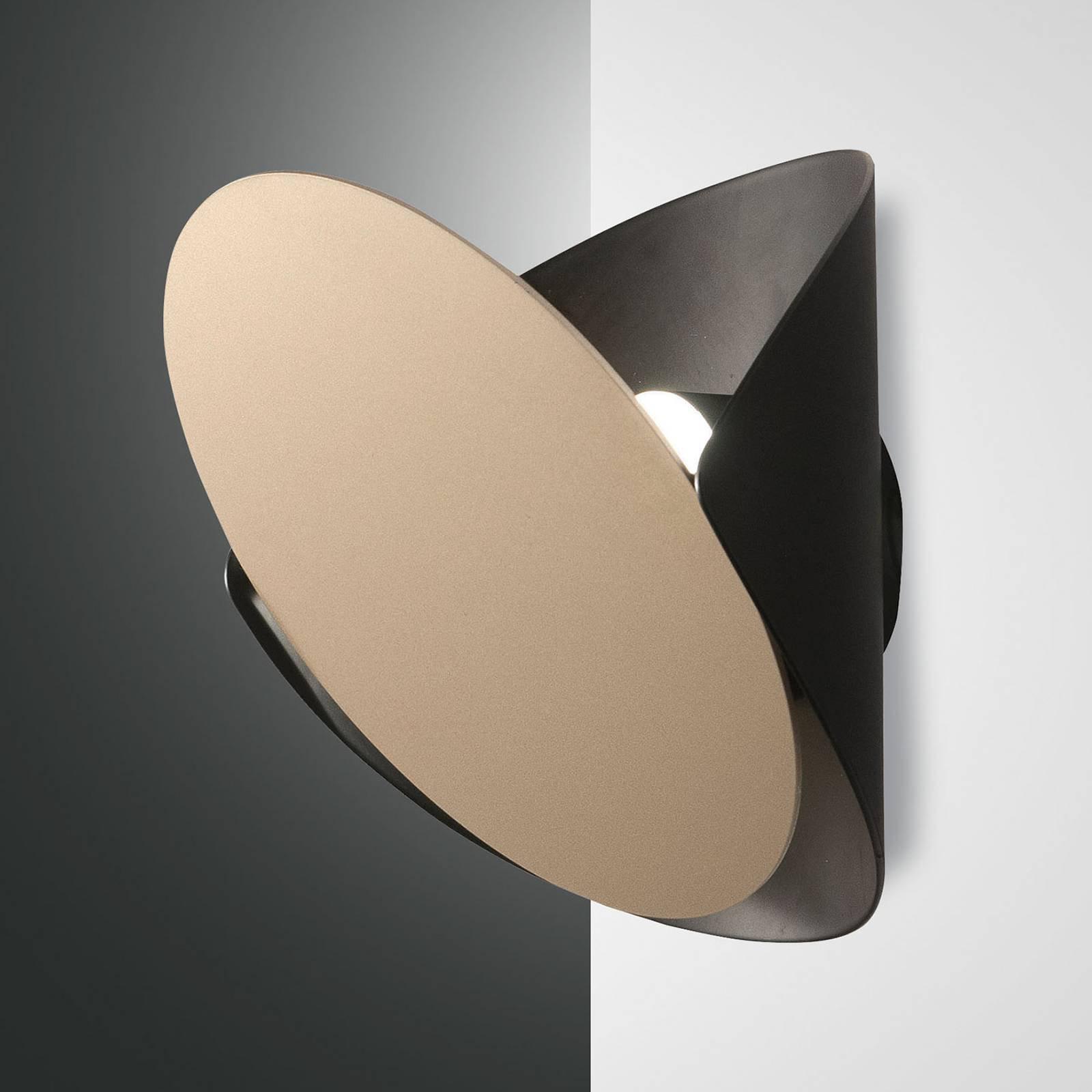 LED-vegglampe Shield, dimbart, svart og gull