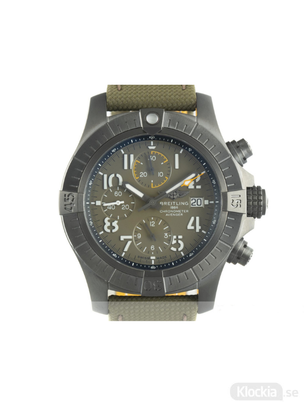 Begagnad Breitling Avenger Night Mission 45 Titanium Chronograph V13317101L1X2