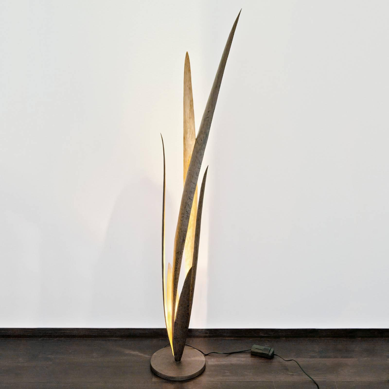 Palustre - en pyntende gulvlampe