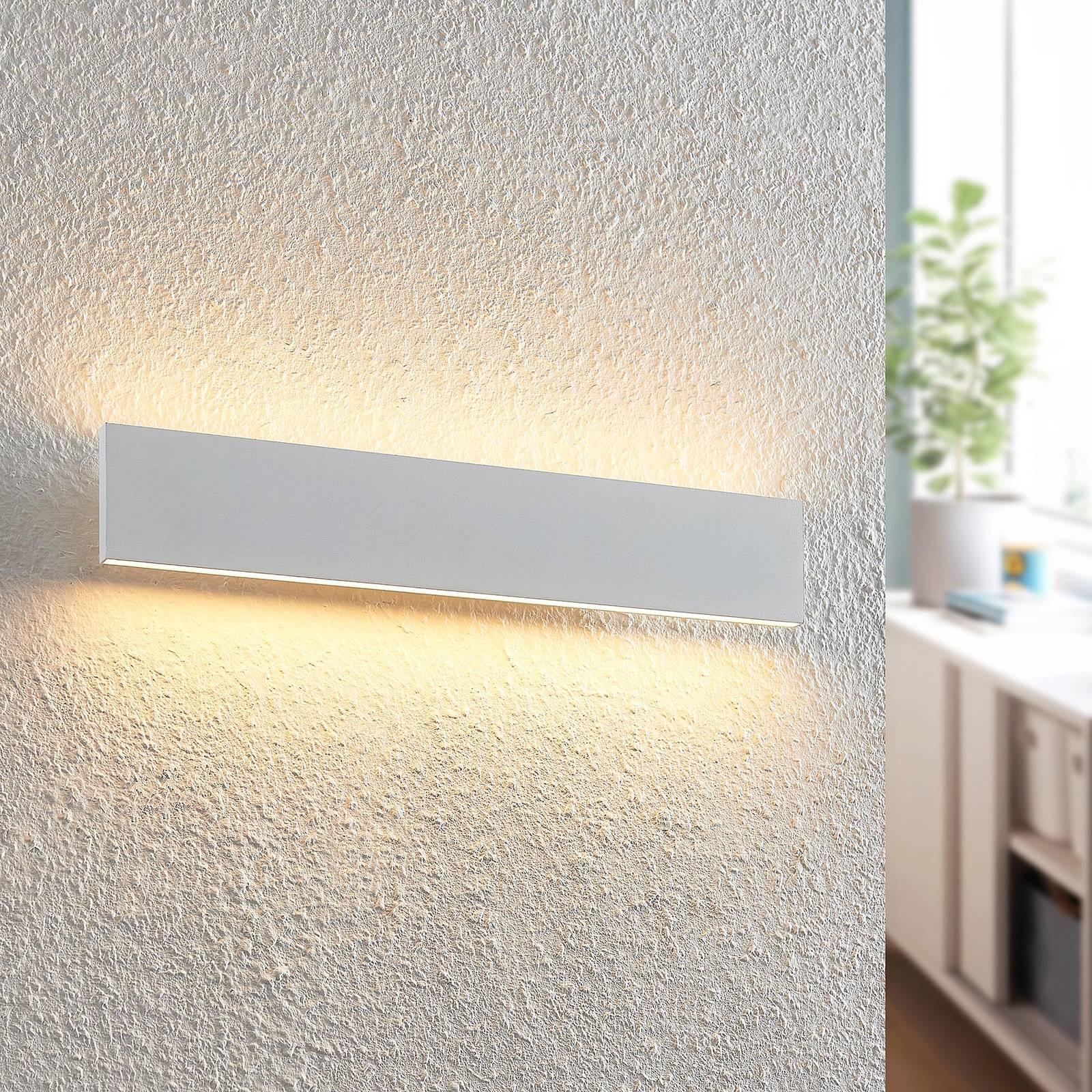Lindby Ignazia -LED-seinävalaisin, 47 cm valkoinen
