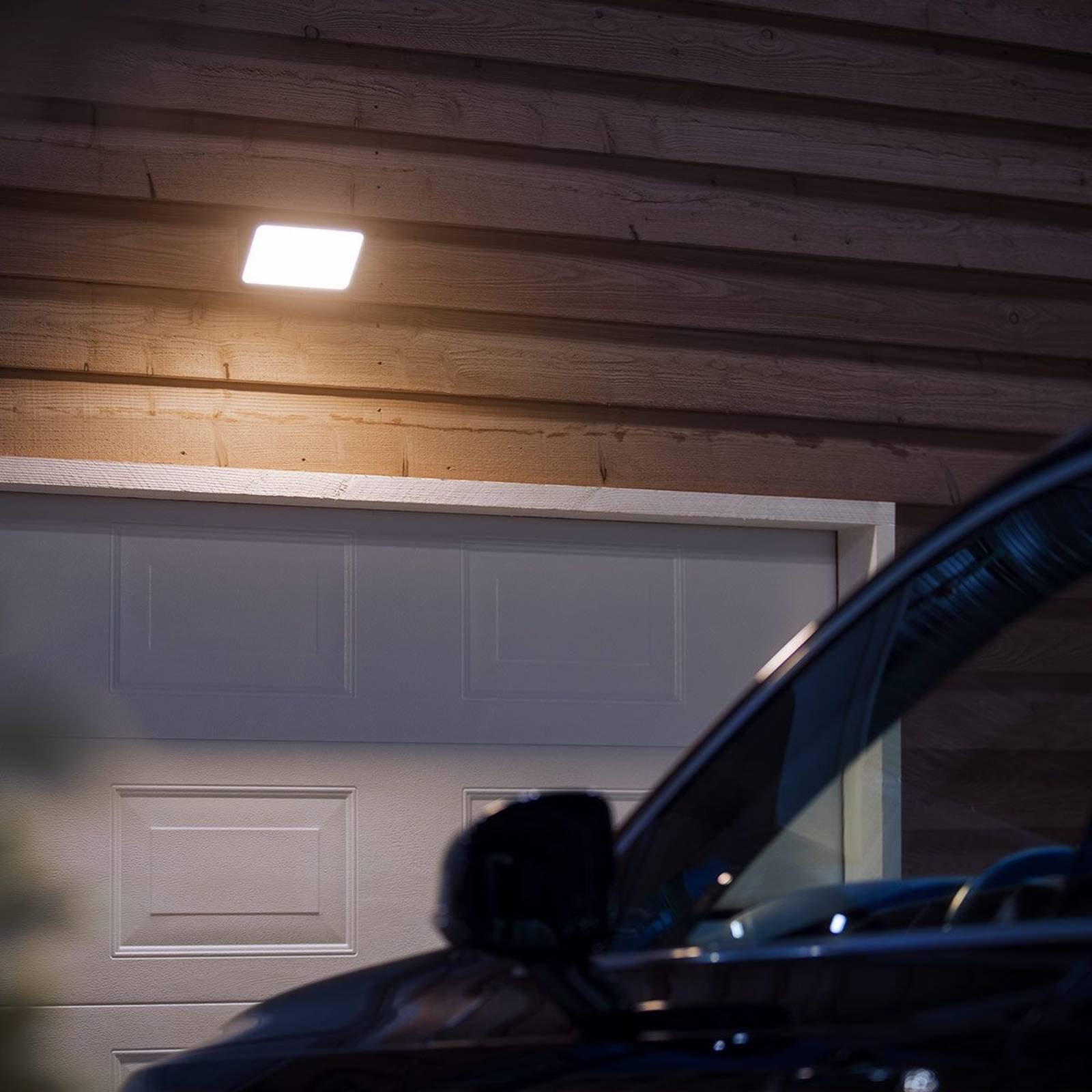 Philips Hue White Welcome utendørs spot, 2 300 lm