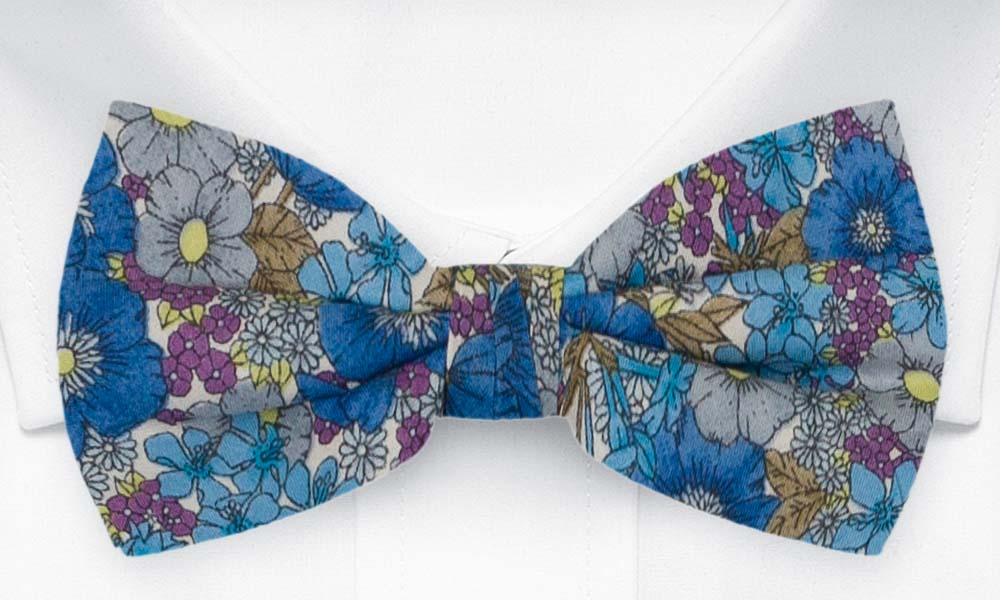Bomull Sløyfer Knyttede, Blomster i blått, lilla, oliven & gult på hvitt