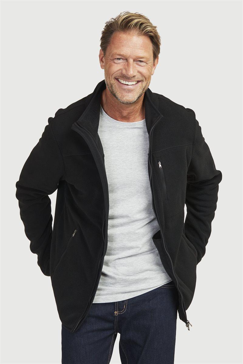 Yksivärinen fleece-takki taskuilla paljon