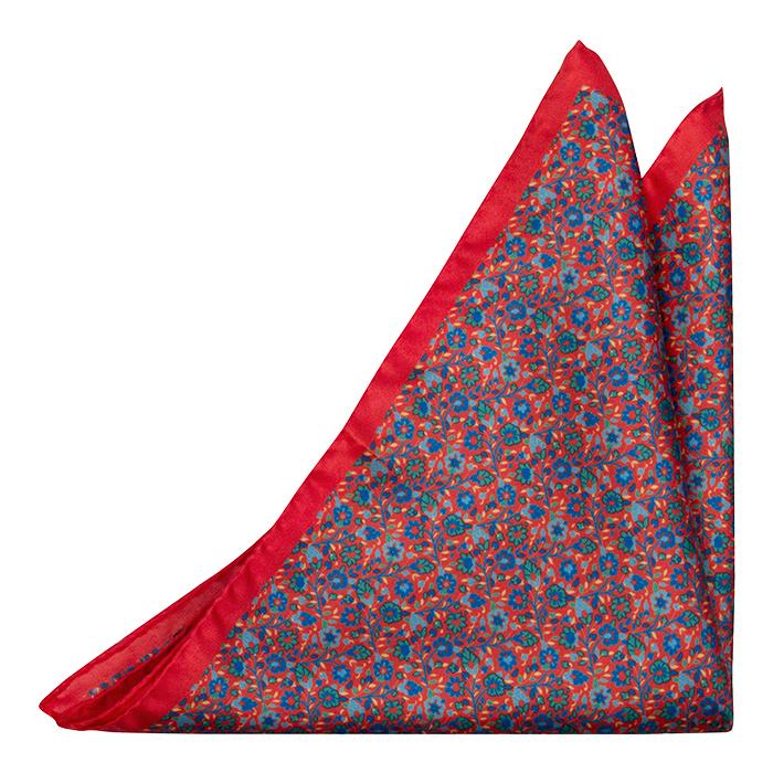 Silke Lommetørkler, Små blå & grønne blomster på lys rød base, Rød, Blomster