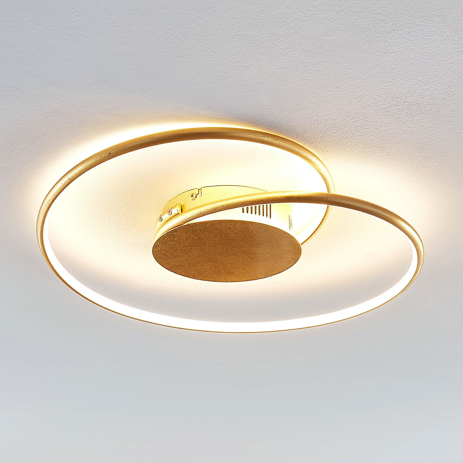 Lindby Joline LED-kattovalaisin, kulta, 45 cm