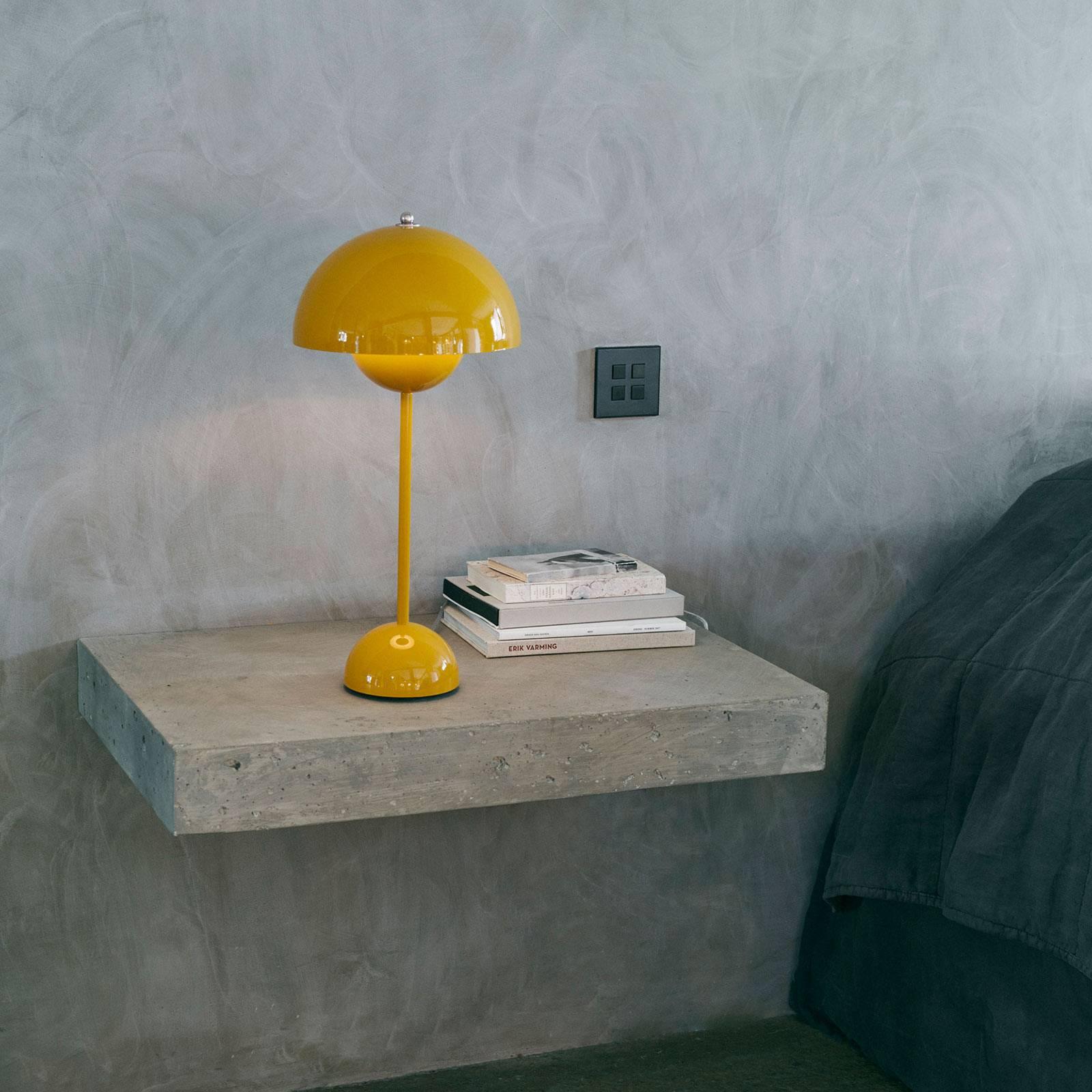 &Tradition Flowerpot VP3 pöytälamppu, keltainen
