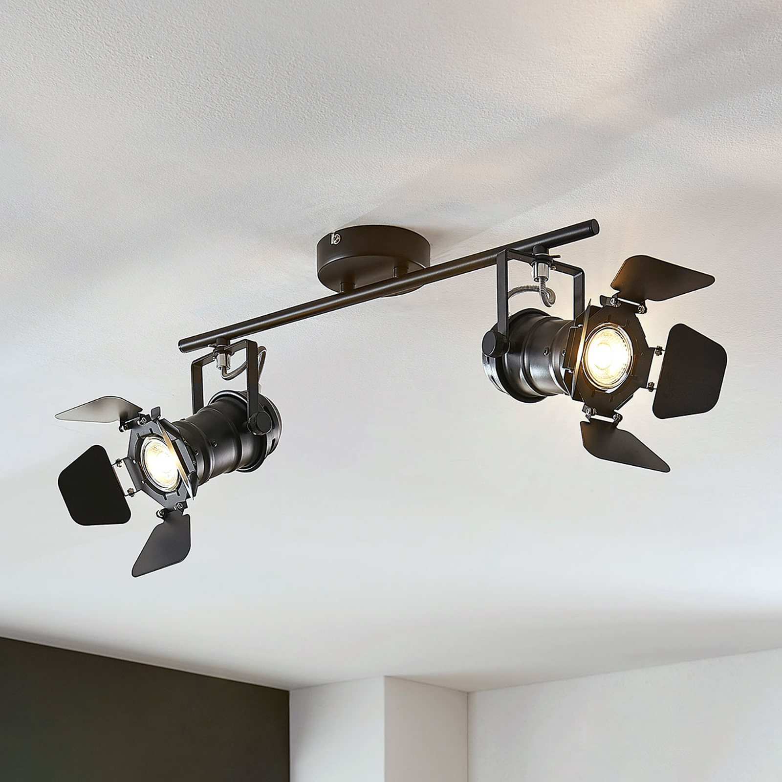Kattovalaisin Tilen, 2-lamppuinen valonheitintyyli