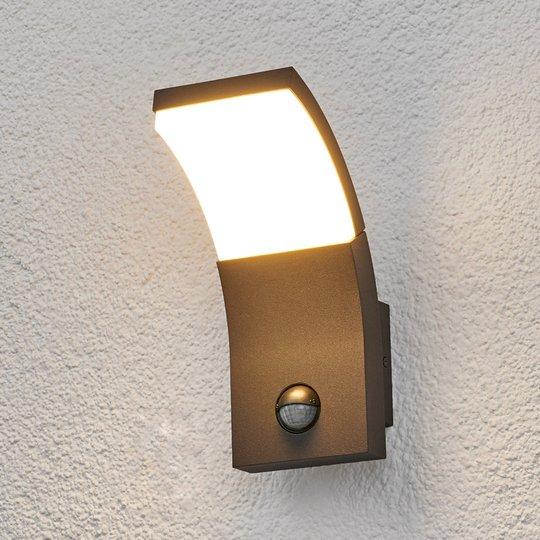 Timm-LED-ulkoseinävalaisin liikeanturilla