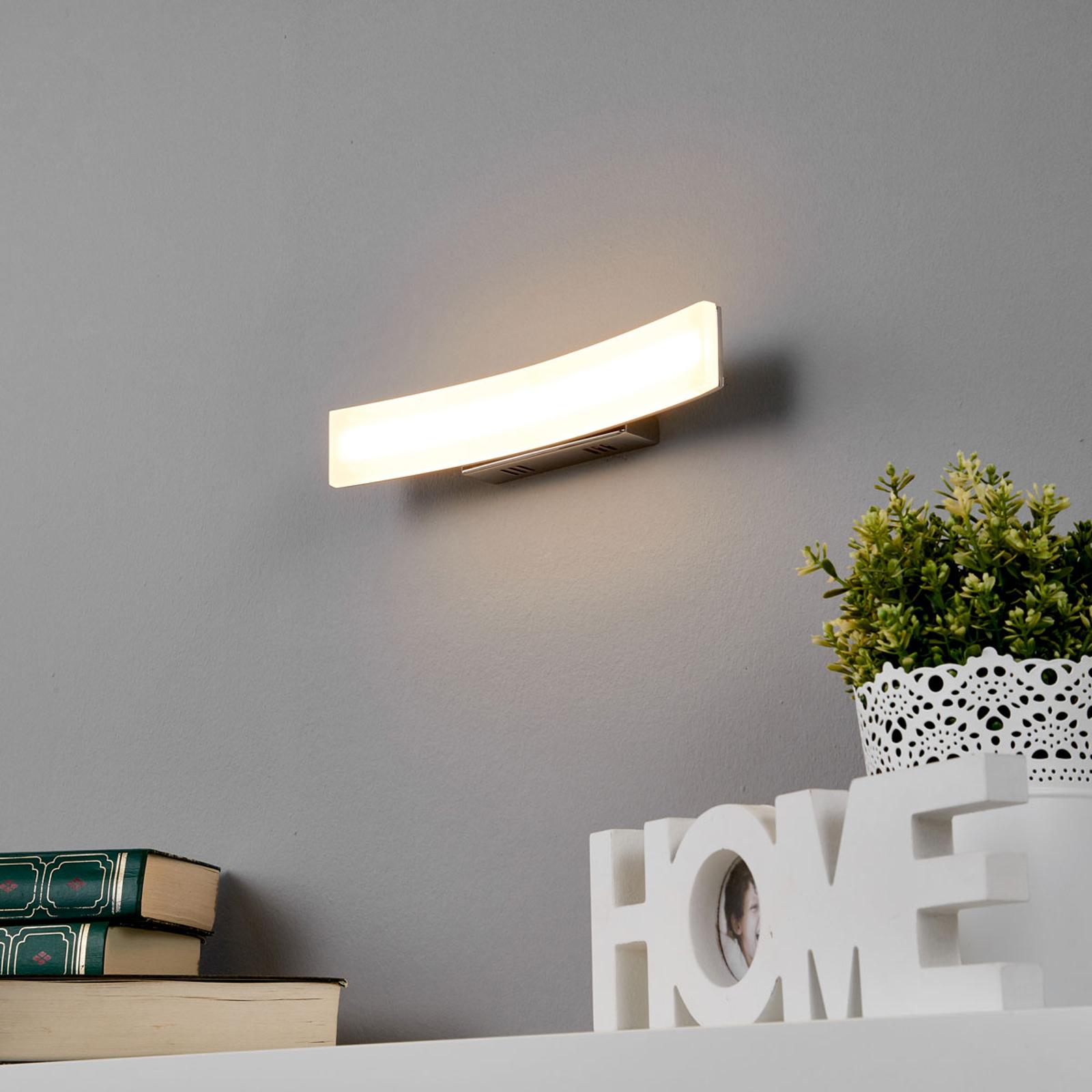 Viehättävä LED-seinävalaisin Lorian