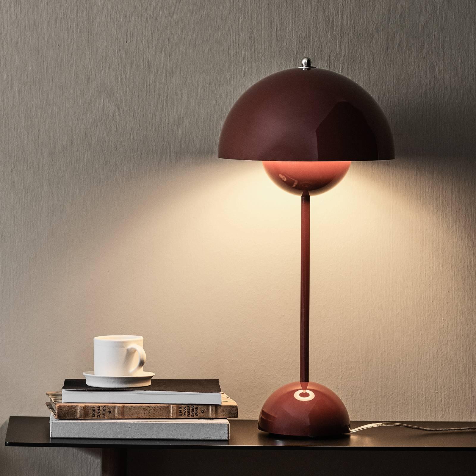 &Tradition Flowerpot VP3 -pöytälamppu, punaruskea