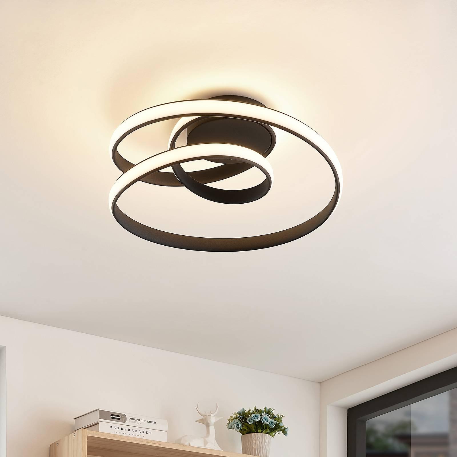 Lucande Sakina-LED-taklampe, sandsvart