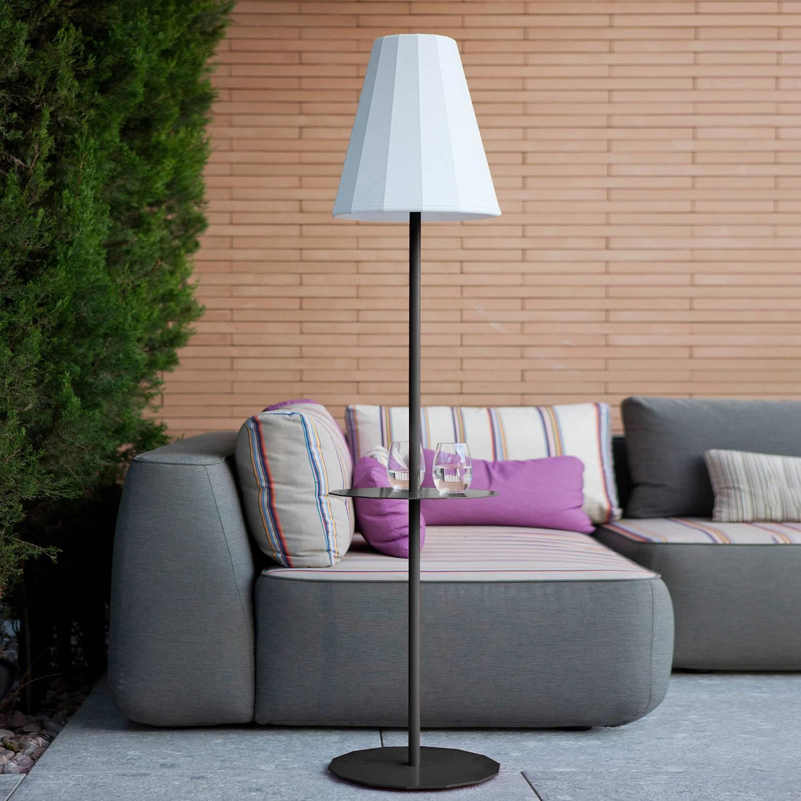 Newgarden Helga LED-lattiavalo, aurinkokäyttöinen