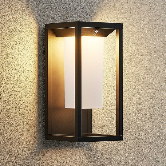 Lucande Eliel -LED-aurinkoseinävalaisin