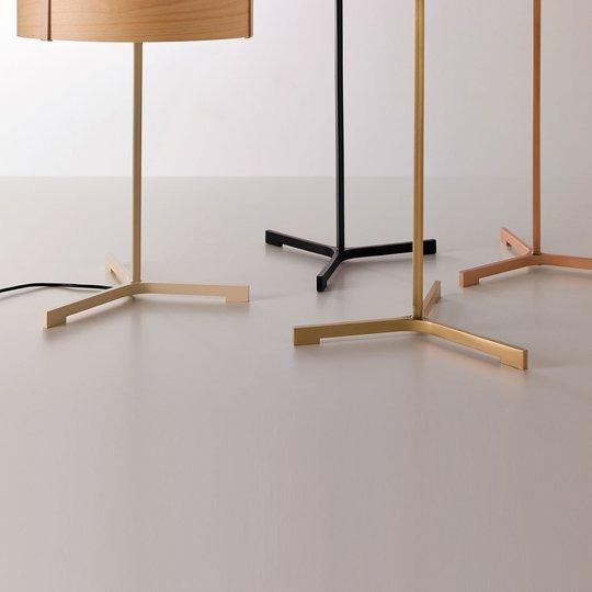 LZF Thesis LED-bordlampe elfenben / bøk natur