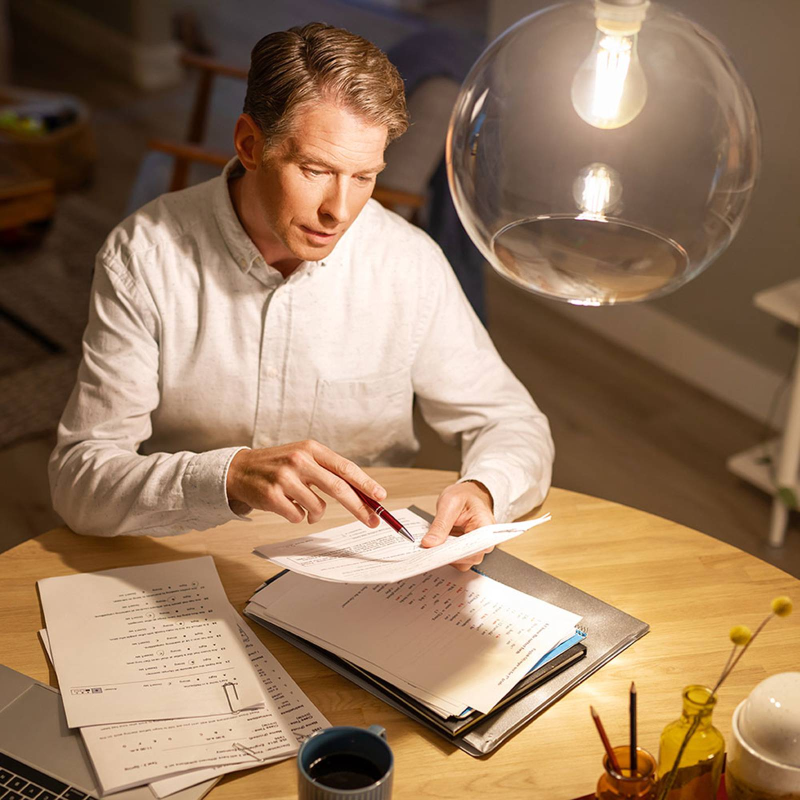 Philips Classic LED-lamppu E14 P45 4,3W 4 000 K