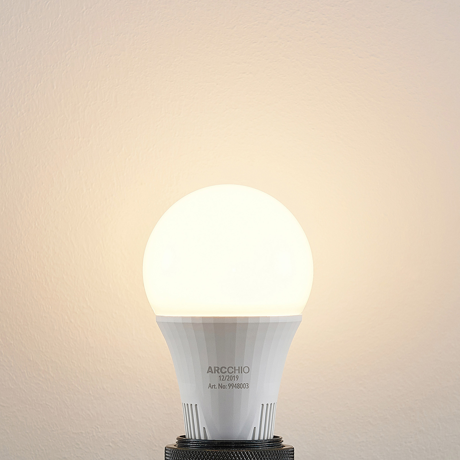 LED-lamppu E27 A66 15 W valkoinen 2 700 K