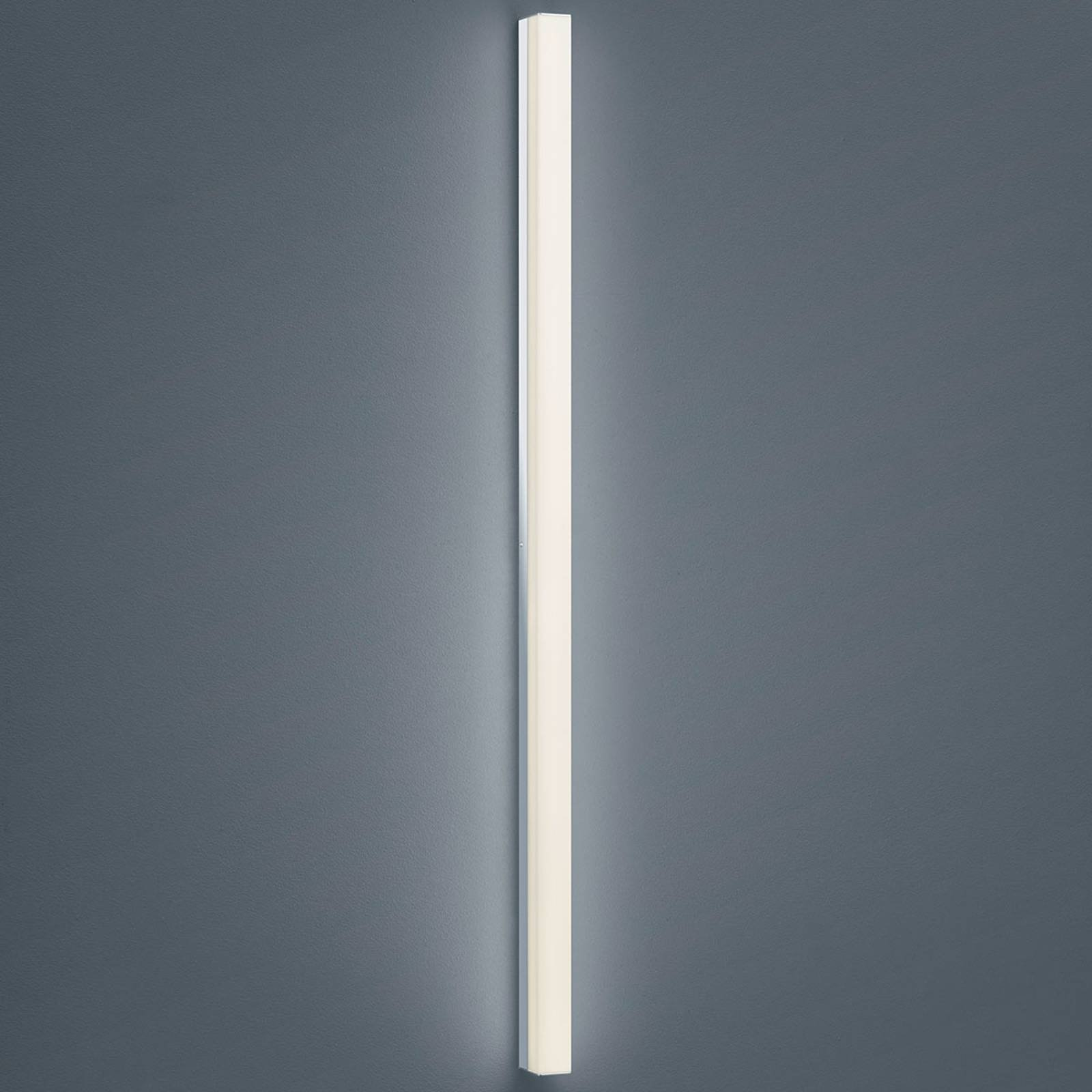 Helestra Lado – LED-speillampe 120 cm