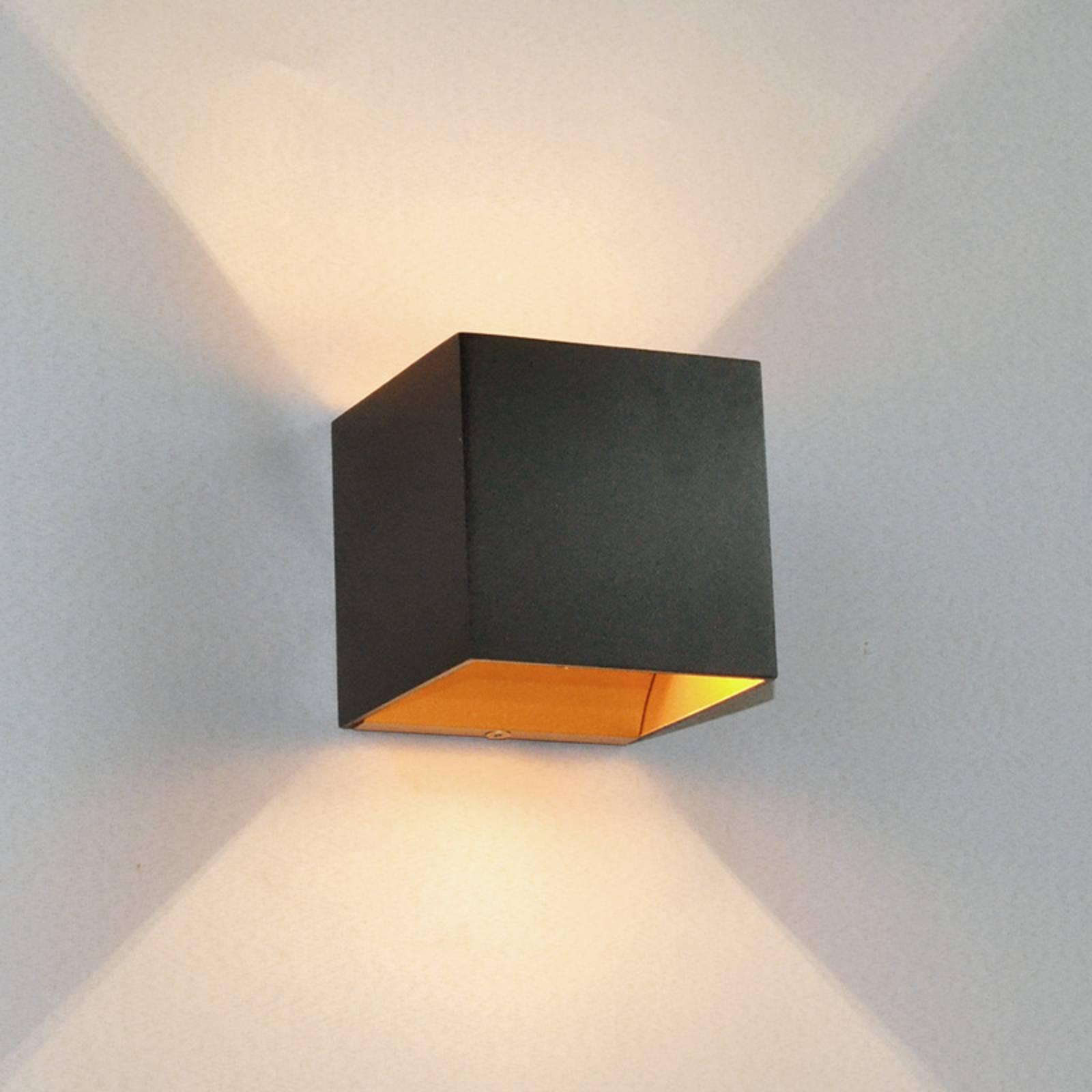 Musta LED-seinävalaisin Aldrina, sisäosa kullanv.