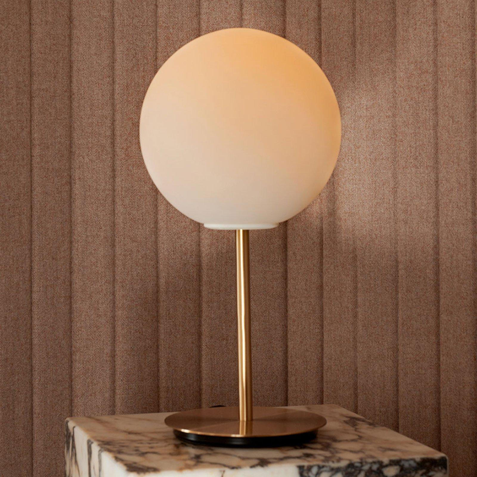 Menu TR Bulb DTW bordlampe 41 cm messing/opal matt