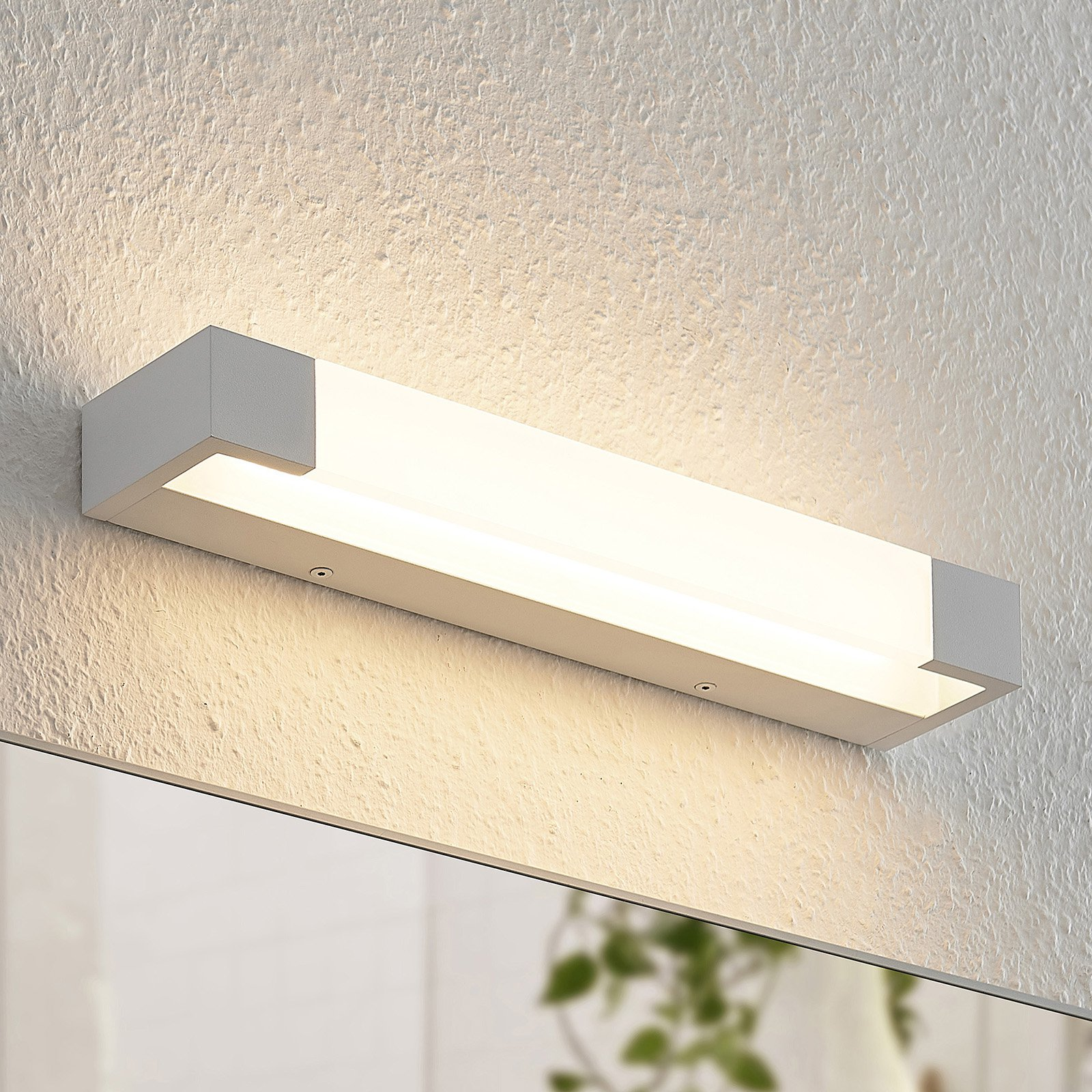 Arcchio Ronika LED-vegglampe, IP44, hvit, 37 cm