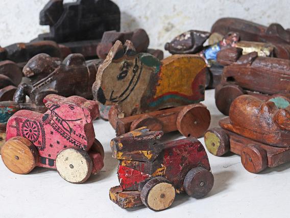 Vintage Wooden Nandi Cow - Small Multi
