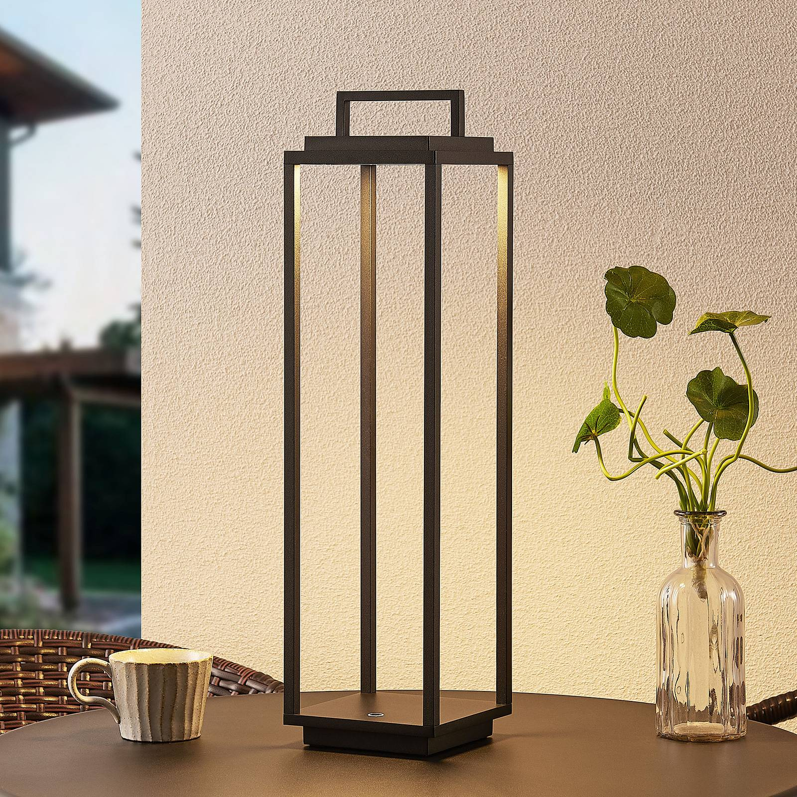 Lucande Elaja -LED-ulkolyhty, USB, musta