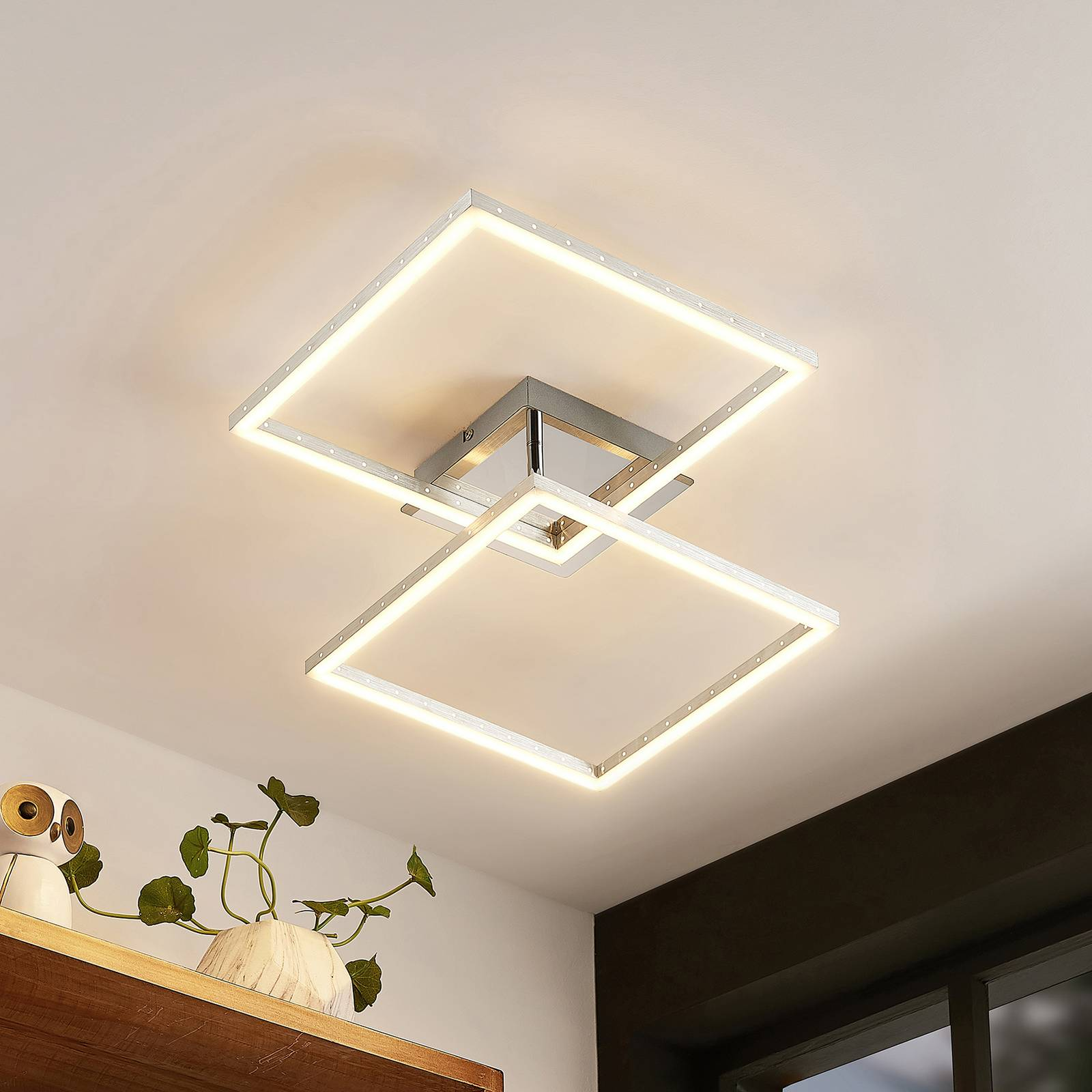 Lindby Semih -LED-kattovalaisin