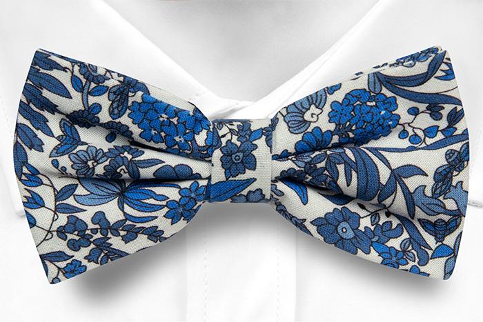 Bomull Sløyfer Knyttede, Hvit base med blå blomster, Blå, Blomstrete