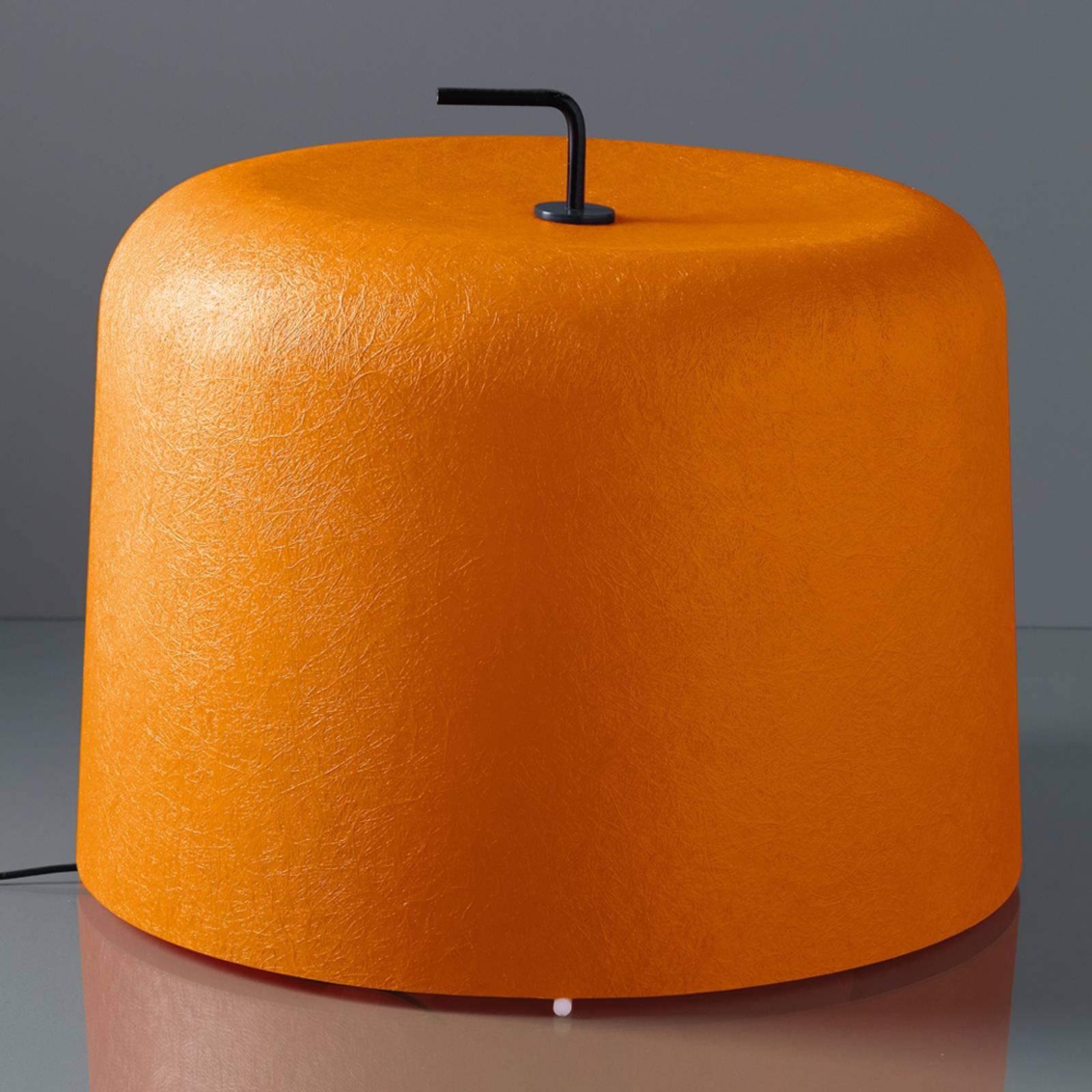 Gulvlampe Ola Move med oransje glassfiberskjerm