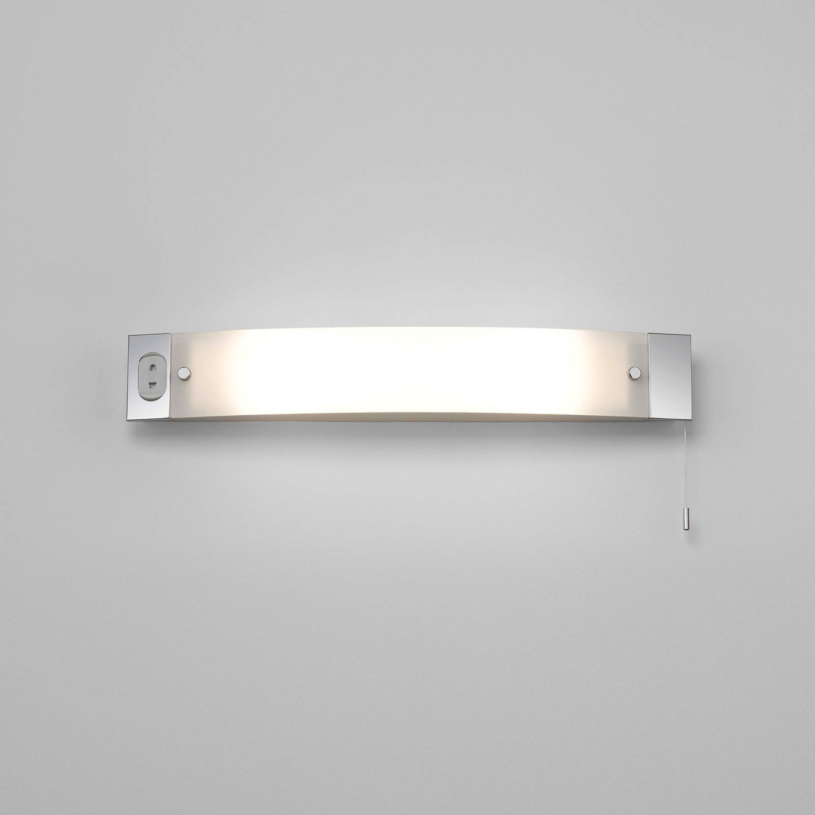 Astro Shaver Light -seinälamppu ja pistorasia