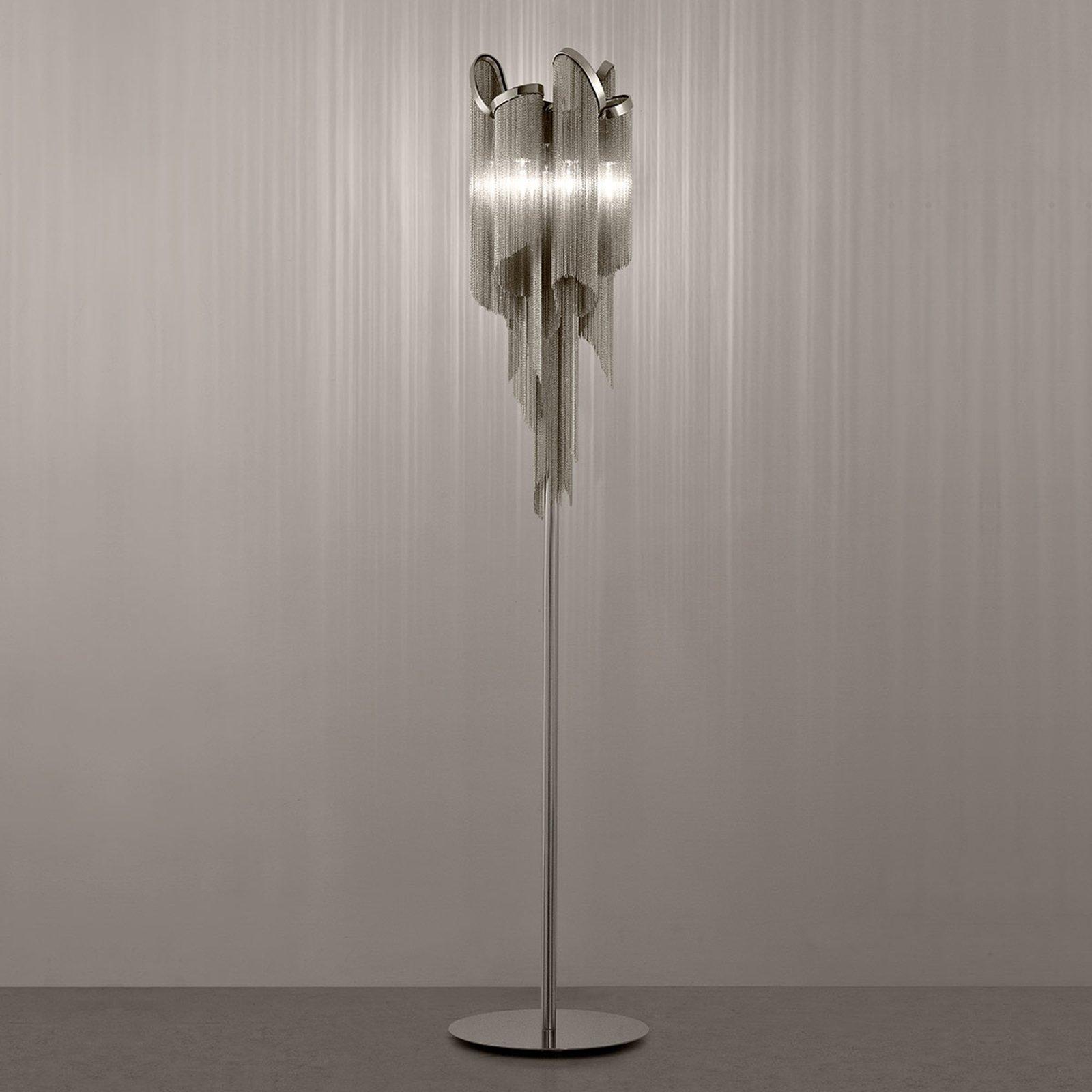 Stream - ekspressiv stålampe