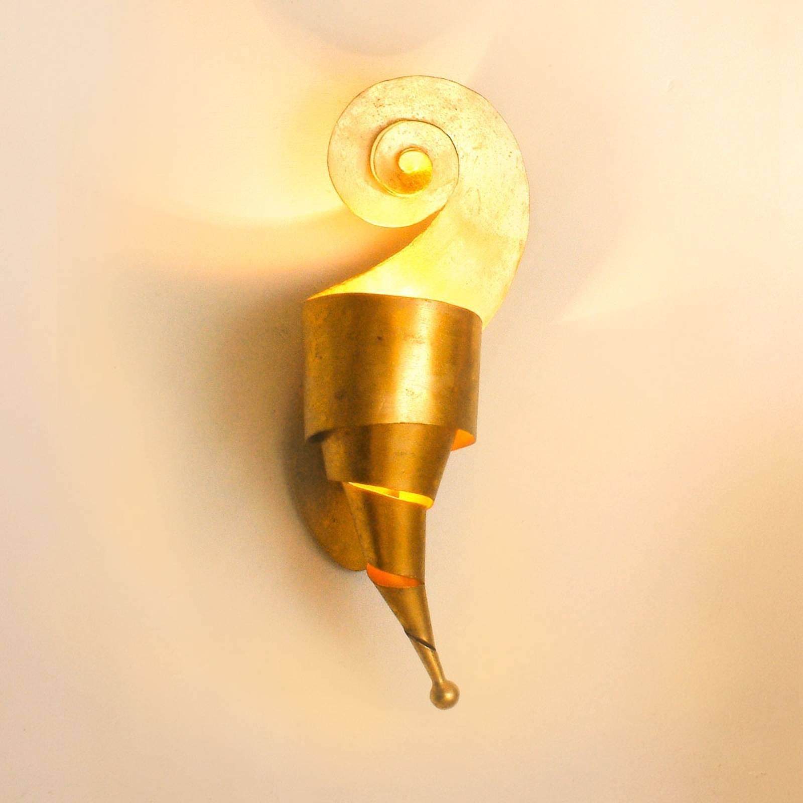 LINO forseggjort vegglampe i gull