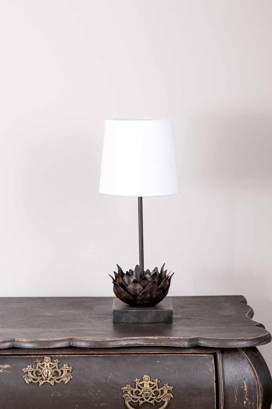 Lampfot Nelumbo