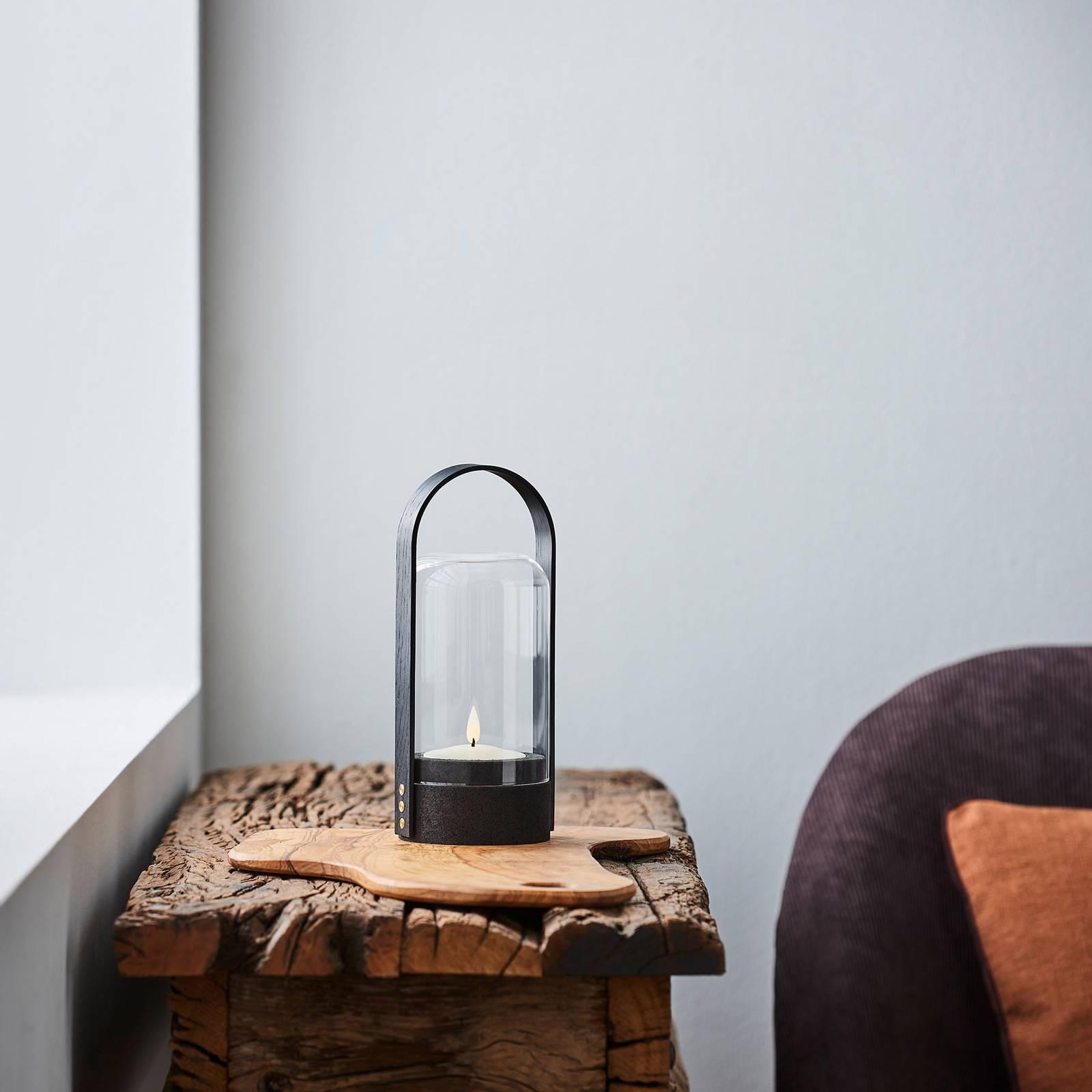 LE KLINT Candle Light -LED-lyhtyvalaisin, musta