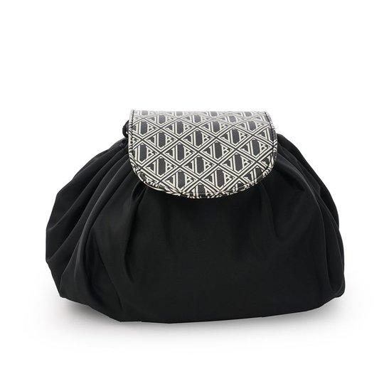 JLB Round Drawstring Bag M Black-White, Ceannis Meikkipussit