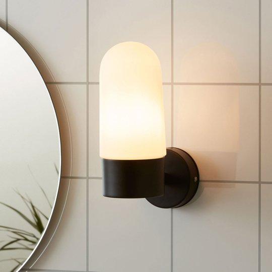 Vegglampe Zen, melkeglass, svart