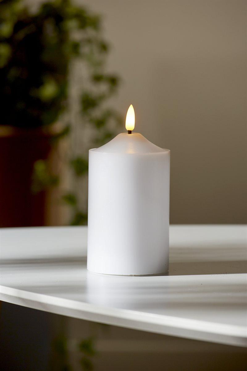 LED-pöytäkynttilä 12,5 cm Flamme