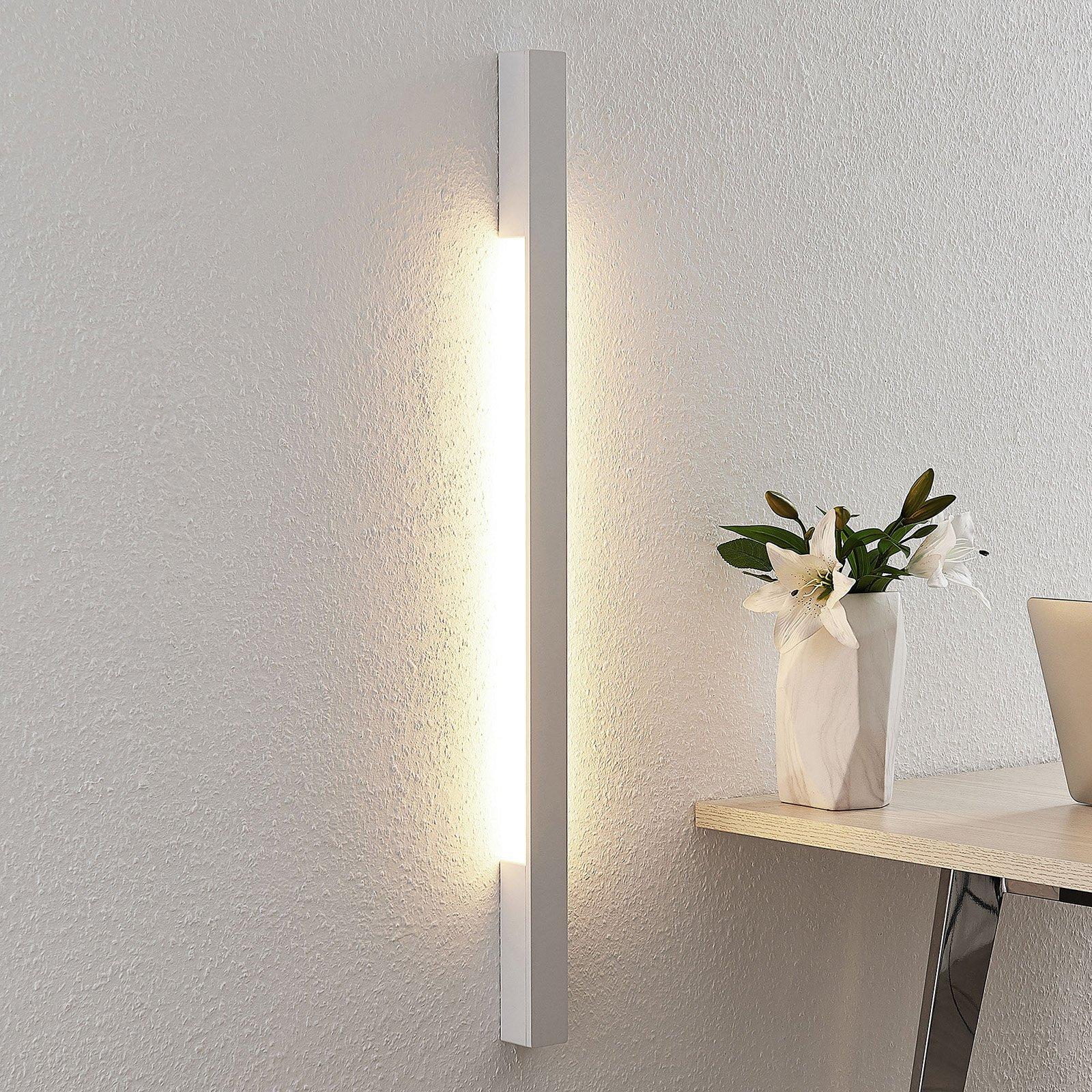 Arcchio Ivano LED-vegglampe, 91 cm, hvit