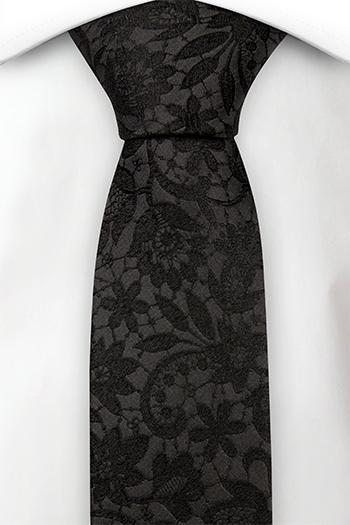 Silke Smale Slips, Ensfarget sort med broderte blomster ton-i-ton